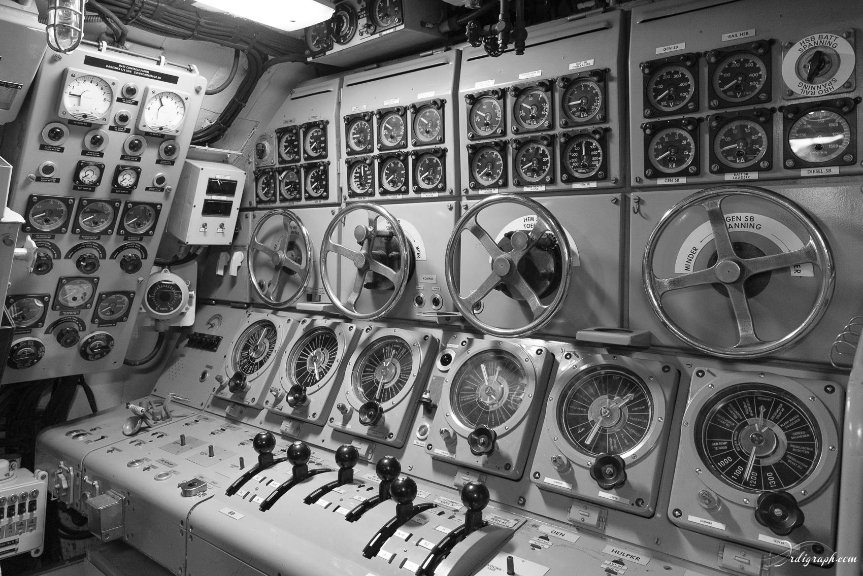 Sous-marin Tonijn-11
