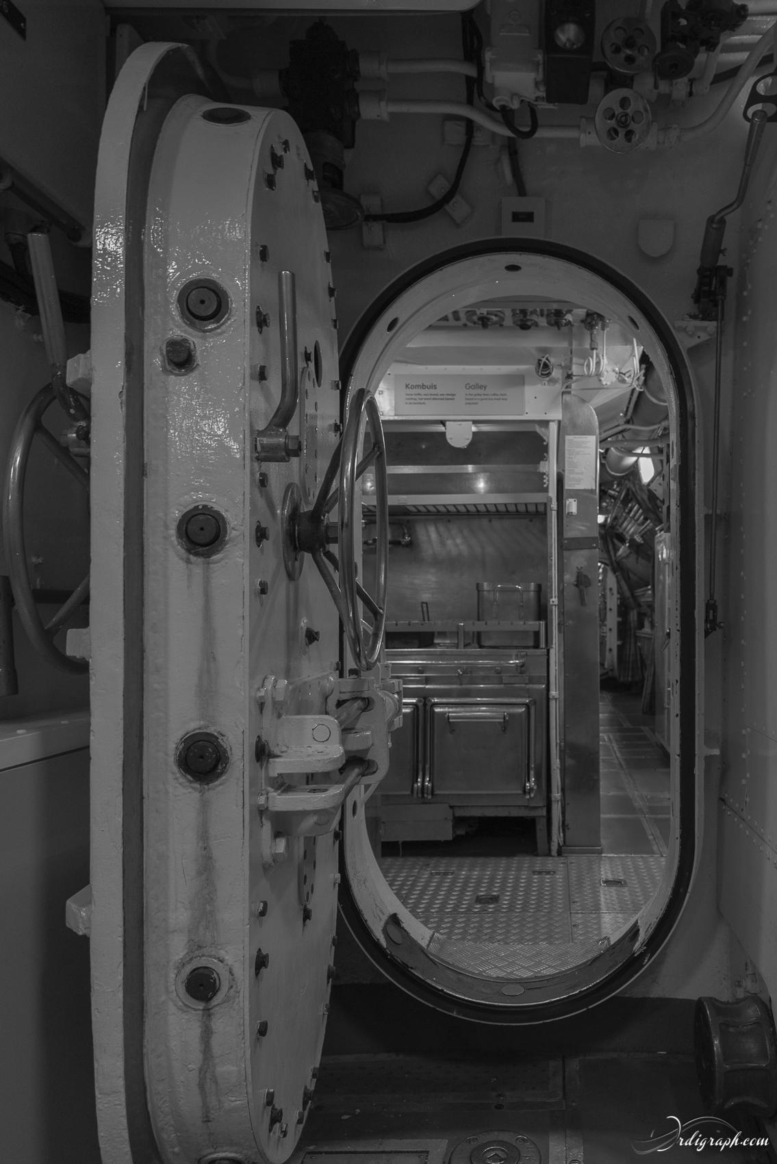 Sous-marin Tonijn-22